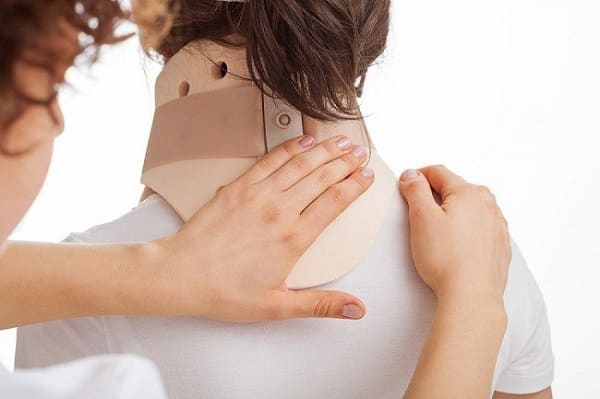 درمان گردن دردبا استفاده از بریس