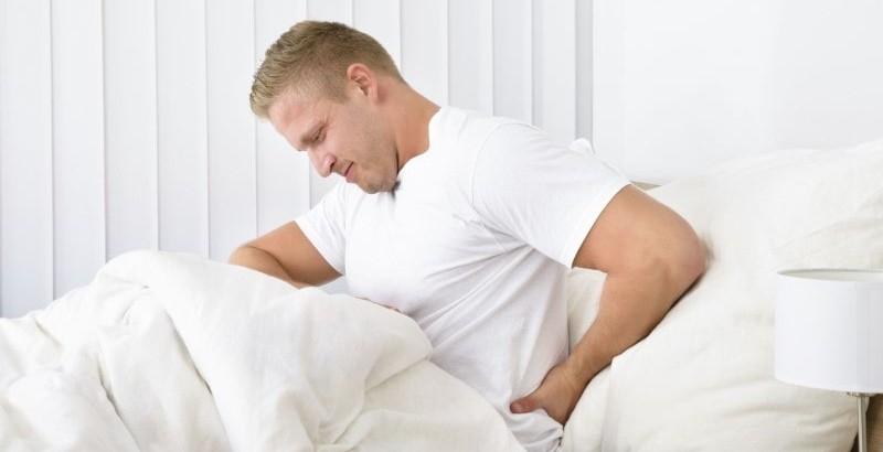 درمان خشکی کمر در اول صبح همزمان با ورزش