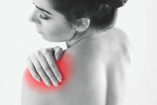 درمان کشیدگی عضلات، رباط و تاندون شانه با وسایل کمکی، ورزش و طب سوزنی
