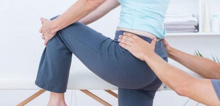 فیزیوتراپی برای درمان شکستگی استخوان دنبالچه