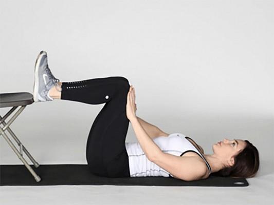 فشرده کردن عضلات شکم